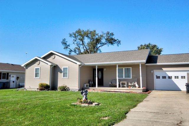 102 Horseshoe Drive, Martinton, IL 60951 (MLS #10893062) :: Schoon Family Group