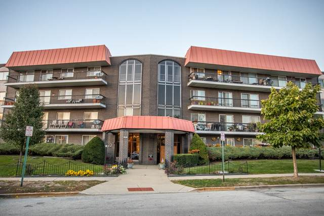 4840 Foster Street #213, Skokie, IL 60077 (MLS #10894636) :: Property Consultants Realty