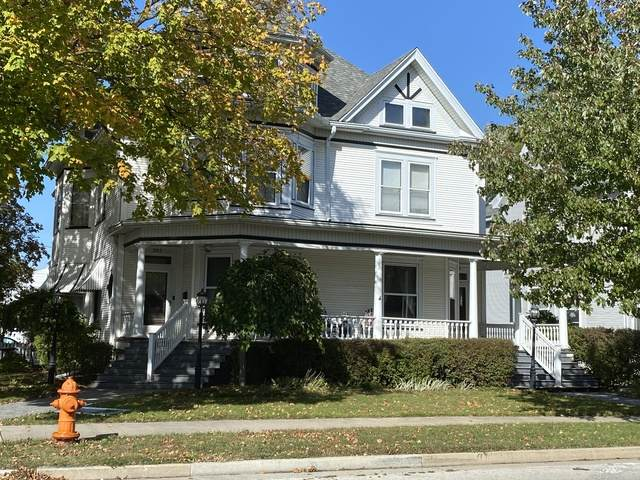 205 E Howard Street, Pontiac, IL 61764 (MLS #10895254) :: Helen Oliveri Real Estate