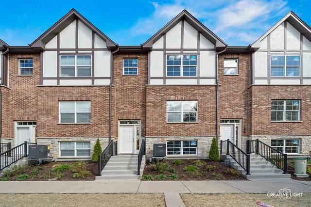 136 S Myrtle Avenue, Villa Park, IL 60181 (MLS #10896089) :: RE/MAX IMPACT