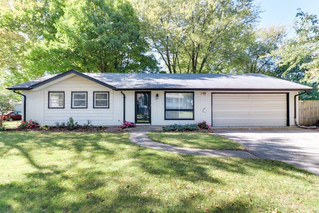 1402 Mount Vernon Drive, Bloomington, IL 61704 (MLS #10896140) :: Littlefield Group