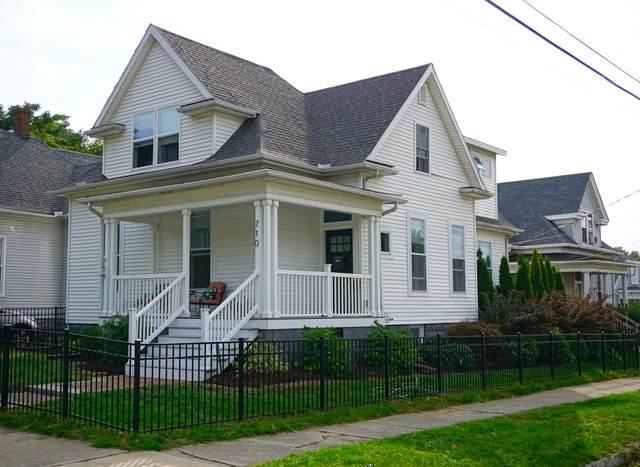 710 Oak Street - Photo 1