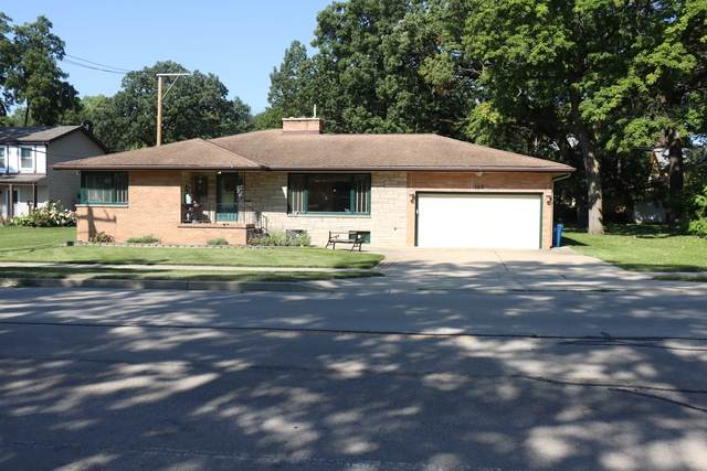 128 N Oak Avenue, Bartlett, IL 60103 (MLS #10897196) :: Helen Oliveri Real Estate