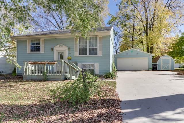 1104 S Hinshaw Avenue, Bloomington, IL 61701 (MLS #10897807) :: Schoon Family Group