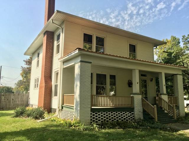 913 Main Street, Henry, IL 61537 (MLS #10897997) :: Jacqui Miller Homes
