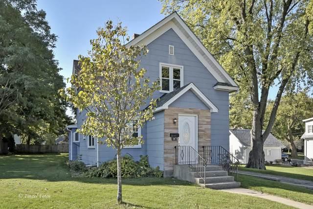 25 W Woodstock Street, Crystal Lake, IL 60014 (MLS #10898506) :: Lewke Partners