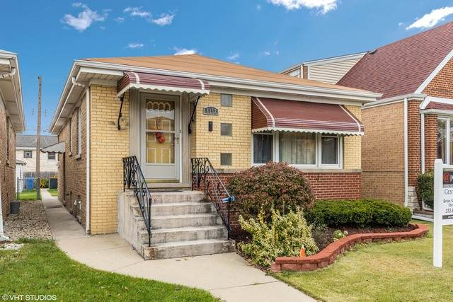 8152 W Belmont Avenue, Chicago, IL 60634 (MLS #10903057) :: Property Consultants Realty