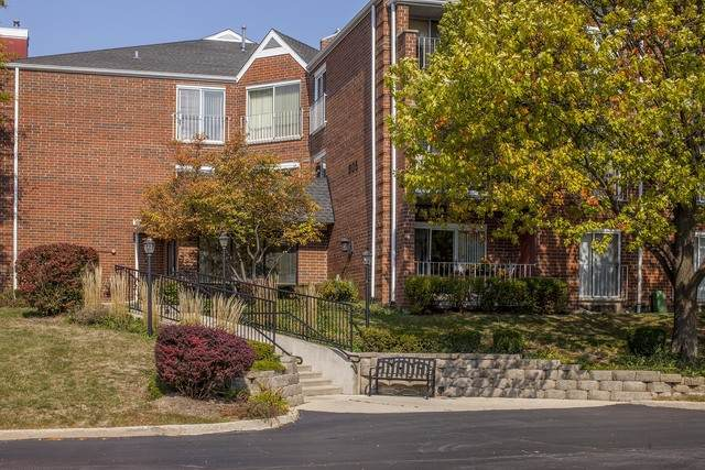 805 Leicester Road B315, Elk Grove Village, IL 60007 (MLS #10903167) :: The Wexler Group at Keller Williams Preferred Realty