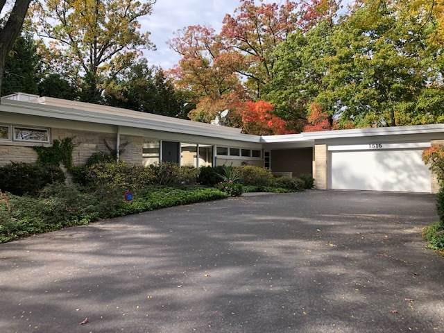 1515 Knollwood Lane, Highland Park, IL 60035 (MLS #10905656) :: Property Consultants Realty