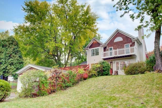 1001 Burr Street, Lake In The Hills, IL 60156 (MLS #10907071) :: Lewke Partners
