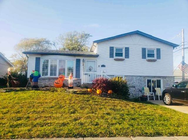 5704 Edward Drive, Oak Forest, IL 60452 (MLS #10907107) :: The Wexler Group at Keller Williams Preferred Realty