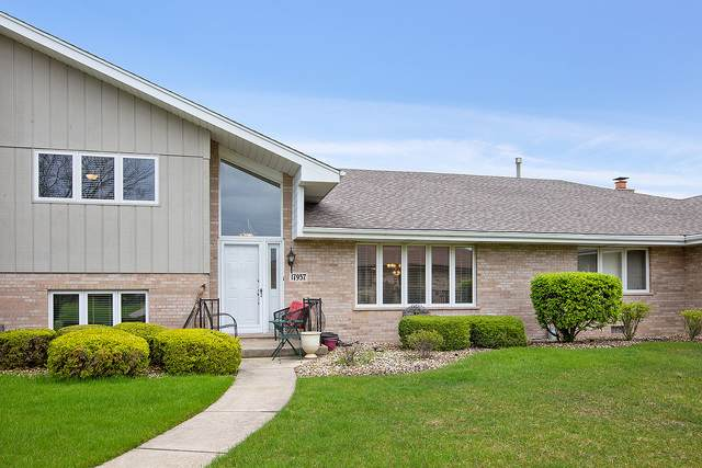 17957 Indiana Court #162, Orland Park, IL 60467 (MLS #10907297) :: John Lyons Real Estate
