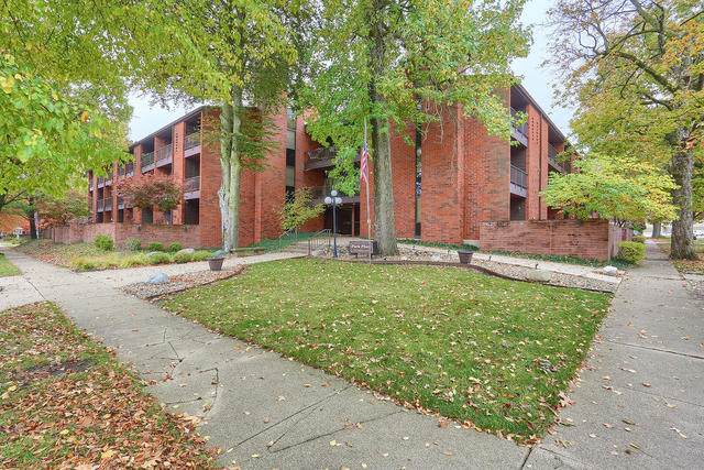 107 N Elm Street #106, Champaign, IL 61820 (MLS #10907564) :: Property Consultants Realty