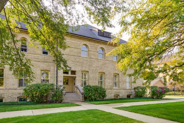 290 Leonard Wood South #201, Highland Park, IL 60035 (MLS #10907835) :: Suburban Life Realty