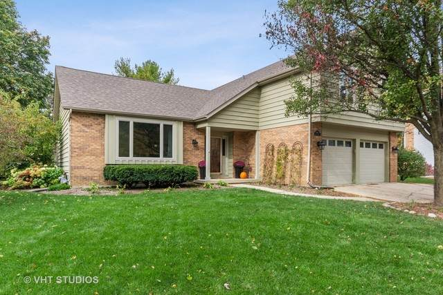 985 Belaire Court, Naperville, IL 60563 (MLS #10907908) :: John Lyons Real Estate
