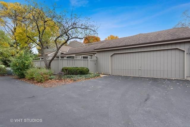 1301 Oak Hill Road, Lake Barrington, IL 60010 (MLS #10907963) :: Helen Oliveri Real Estate