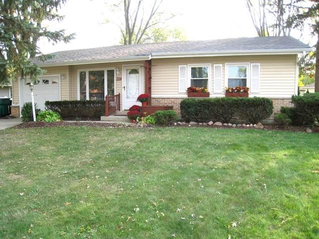 657 Cedar Lane, Elk Grove Village, IL 60007 (MLS #10907978) :: Lewke Partners