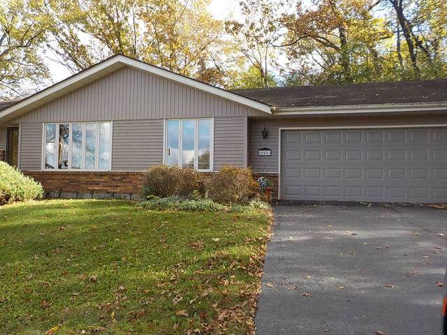 10451 Ellsworth Drive, Roscoe, IL 61073 (MLS #10908349) :: Property Consultants Realty