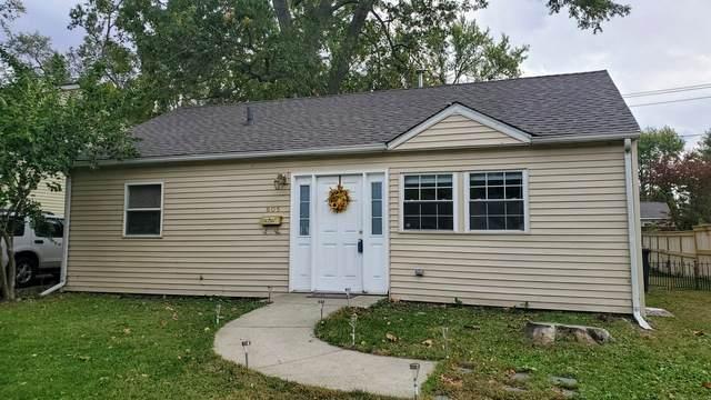 805 Hawthorne Drive, Urbana, IL 61801 (MLS #10908422) :: Littlefield Group