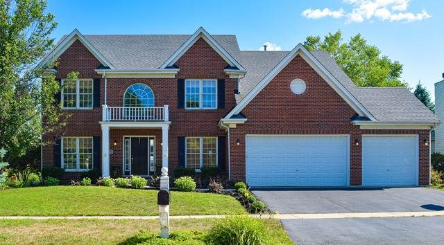 39W771 Benton Lane, Geneva, IL 60134 (MLS #10910367) :: Helen Oliveri Real Estate