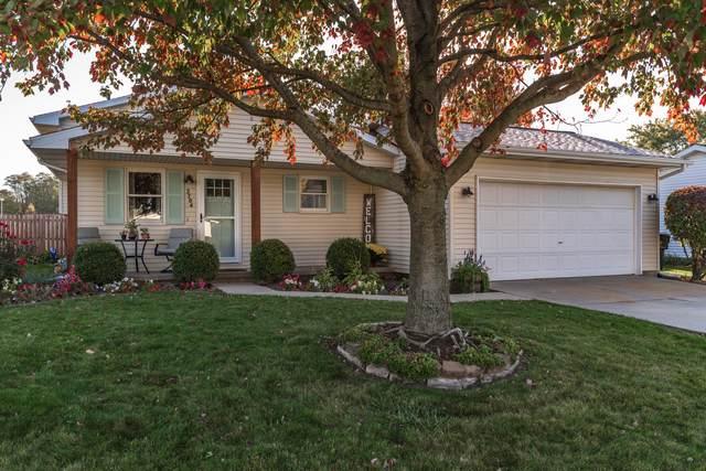 2704 Rocksbury Drive, Bloomington, IL 61705 (MLS #10910601) :: Janet Jurich