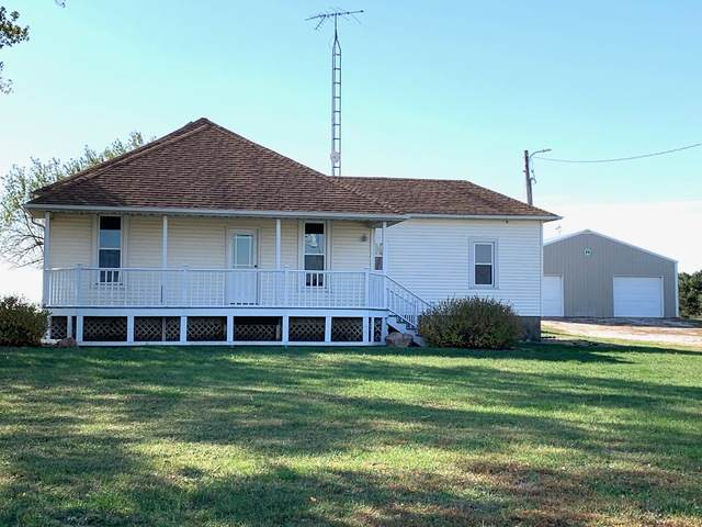 24700 Sparrow Road, Farmer City, IL 61842 (MLS #10910657) :: Helen Oliveri Real Estate