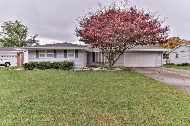 8 Thunderbird Road, Oakwood, IL 61858 (MLS #10911654) :: Lewke Partners