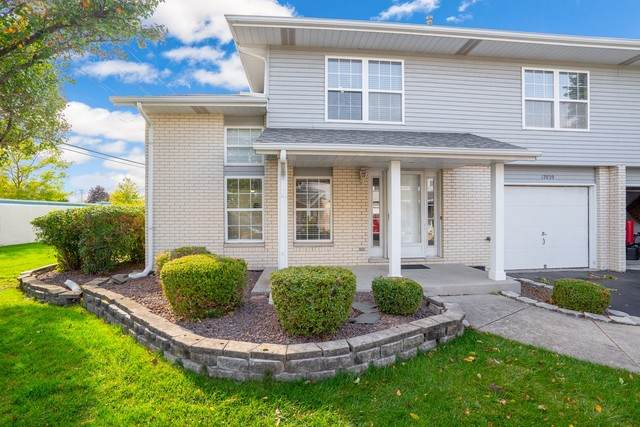 17039 E Circle Drive, Tinley Park, IL 60477 (MLS #10911679) :: The Wexler Group at Keller Williams Preferred Realty