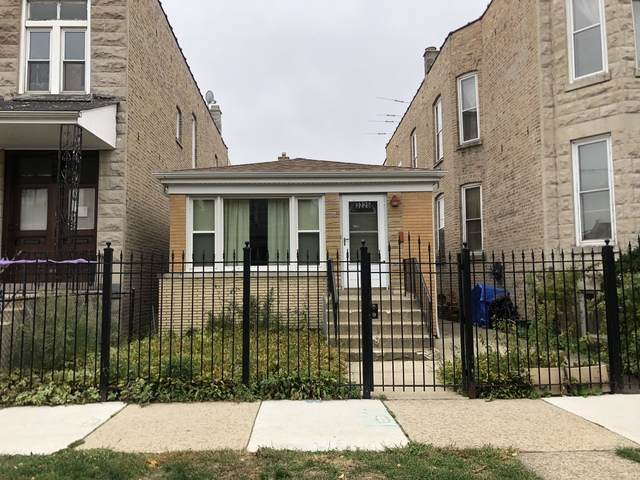 3225 W Hirsch Street, Chicago, IL 60651 (MLS #10911691) :: Property Consultants Realty
