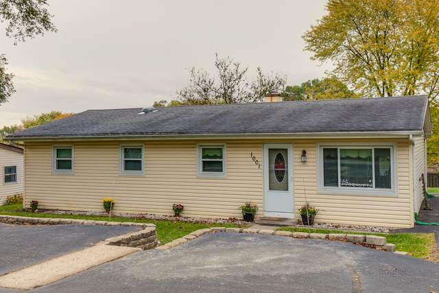1001 W Ringwood Road, Mchenry, IL 60051 (MLS #10912141) :: Suburban Life Realty