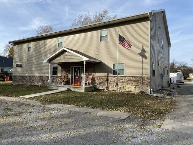 410 E Logan Street, ARTHUR, IL 61911 (MLS #10912341) :: Helen Oliveri Real Estate
