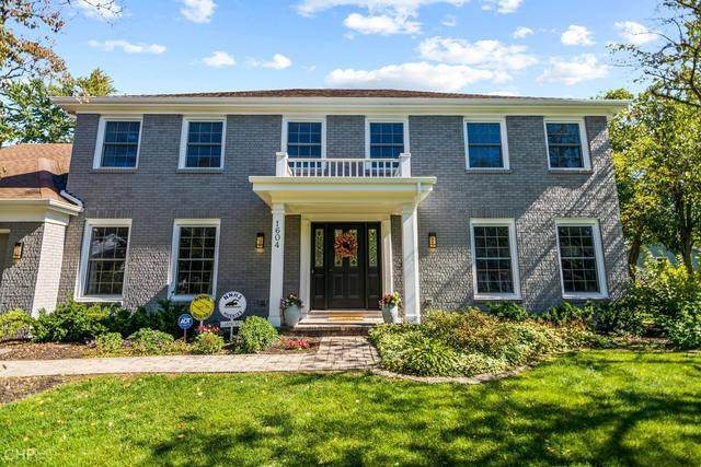 1604 Mirror Lake Drive, Naperville, IL 60563 (MLS #10912680) :: Angela Walker Homes Real Estate Group