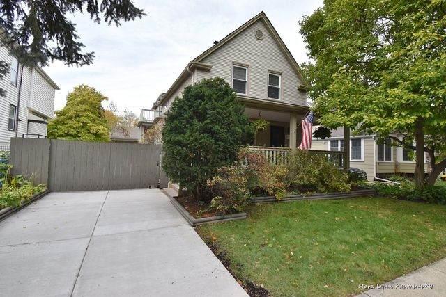 4526 N Kenton Avenue, Chicago, IL 60630 (MLS #10912725) :: Angela Walker Homes Real Estate Group