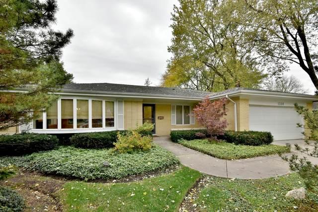 1238 Pine Street, Glenview, IL 60025 (MLS #10912745) :: Angela Walker Homes Real Estate Group