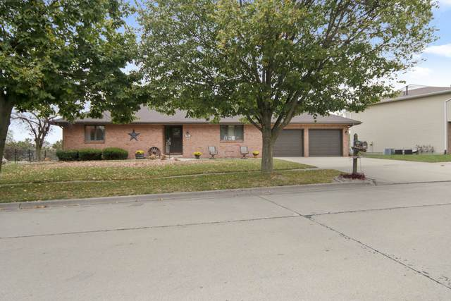 1005 Laesch Avenue, Bloomington, IL 61704 (MLS #10912982) :: Helen Oliveri Real Estate