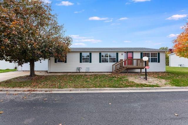 327 Mallard Lane, Sandwich, IL 60548 (MLS #10913483) :: Helen Oliveri Real Estate
