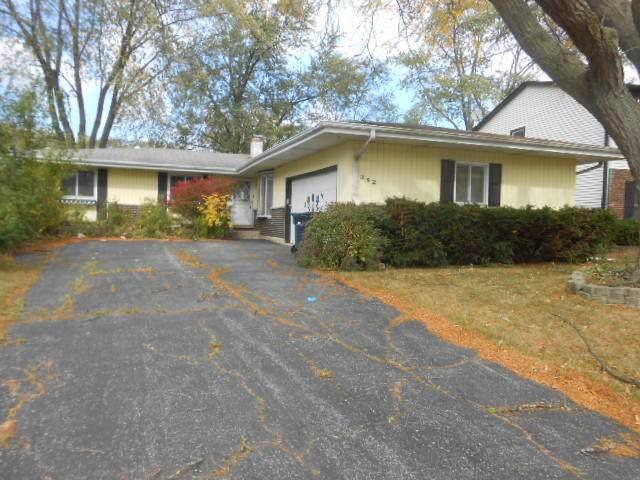 342 Collen Drive, Lombard, IL 60148 (MLS #10913548) :: Helen Oliveri Real Estate