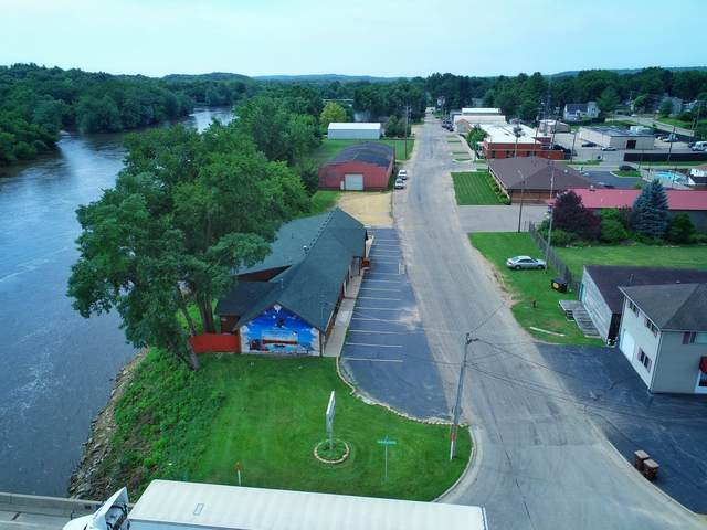 101 1st Street, Oregon, IL 61061 (MLS #10913640) :: Property Consultants Realty