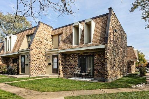2026 Country Club Drive 16-7F, Woodridge, IL 60517 (MLS #10914308) :: BN Homes Group