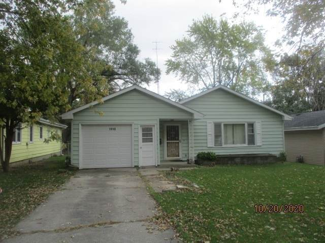 1918 Meadowview Avenue E, Kankakee, IL 60901 (MLS #10914674) :: Helen Oliveri Real Estate
