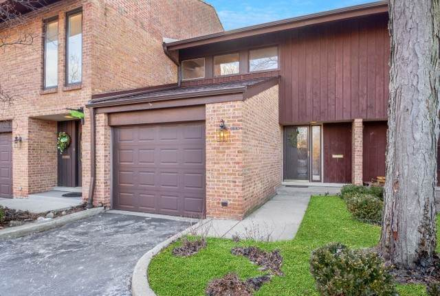 1805 Wildberry Drive B, Glenview, IL 60025 (MLS #10915580) :: Property Consultants Realty