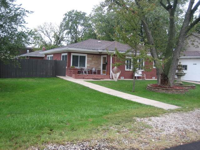 10500 Montana Avenue, Leyden Township, IL 60164 (MLS #10916492) :: Littlefield Group