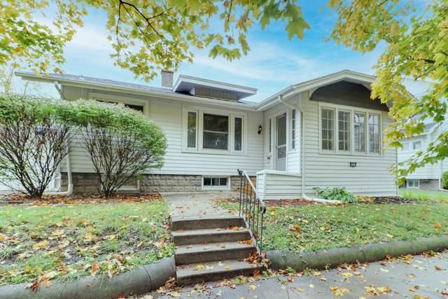414 Woodland Avenue, Bloomington, IL 61701 (MLS #10916654) :: John Lyons Real Estate