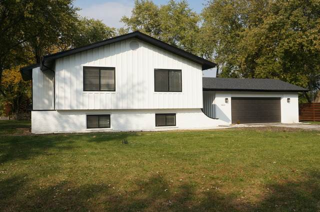 28W104 Plainview Drive, Naperville, IL 60564 (MLS #10916687) :: BN Homes Group