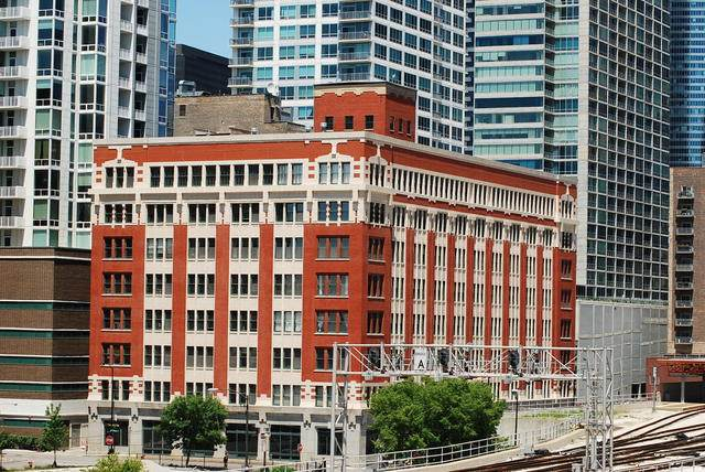 732 S Financial Place P-034, Chicago, IL 60605 (MLS #10917645) :: Littlefield Group