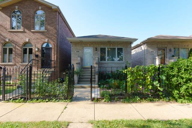 656 W 43rd Place, Chicago, IL 60609 (MLS #10917867) :: Lewke Partners