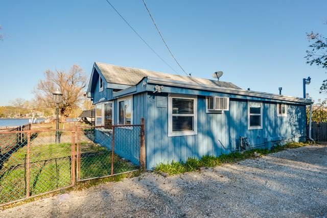 402 Lakeland Avenue, Fox Lake, IL 60020 (MLS #10917917) :: Jacqui Miller Homes