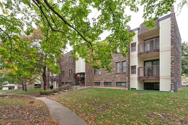 2025 Country Club Drive #22, Woodridge, IL 60517 (MLS #10919459) :: Helen Oliveri Real Estate