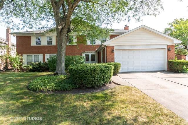 929 Dorset Drive, Northbrook, IL 60062 (MLS #10920128) :: Helen Oliveri Real Estate