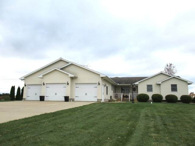 1716 Broadview Drive, Sterling, IL 61081 (MLS #10920257) :: Property Consultants Realty